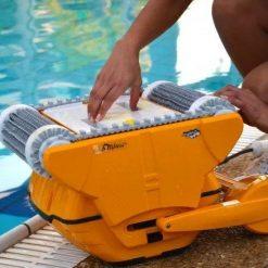 dolphin wave 100 medence robot porszivo 5 uszodaesmedence